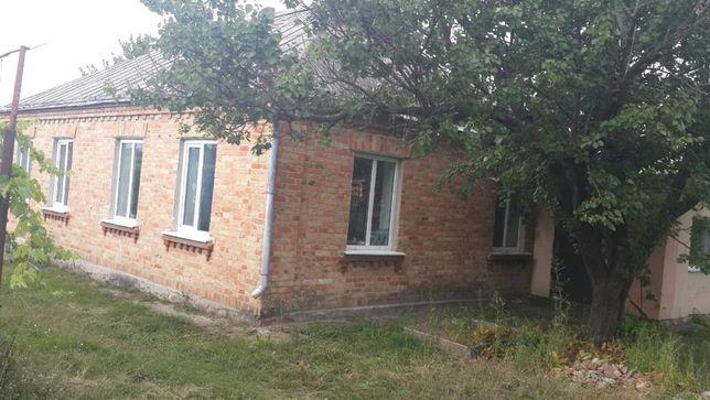 Продам дом в 160км от Киева. Стеблев.