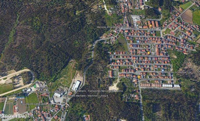 Terreno 263m2 c/ moradia térrea para reabilitar - fronteira Maia/Trofa