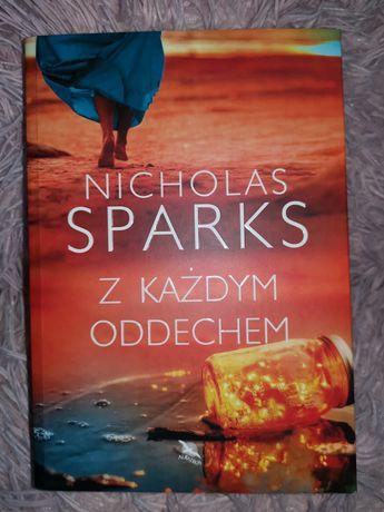 "Nicholas Sparks ""Z KAŻDYM ODDECHEM"""