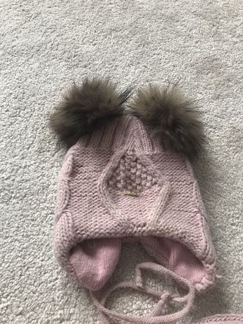 Продається зимова шамочка на дівчику з натуральними бамбонами)