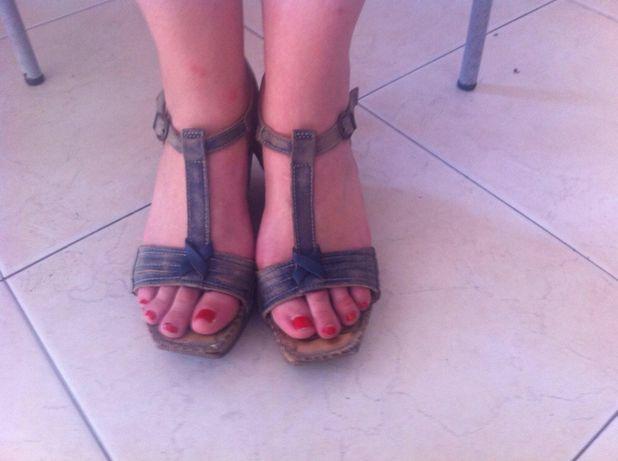 Sandálias de rapariga