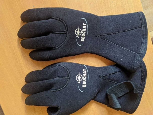 Продам Перчатки для подводной охоты Beuchat Nordik 5 мм