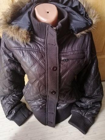Демисезонная куртка р. М-Л Отличное состояние