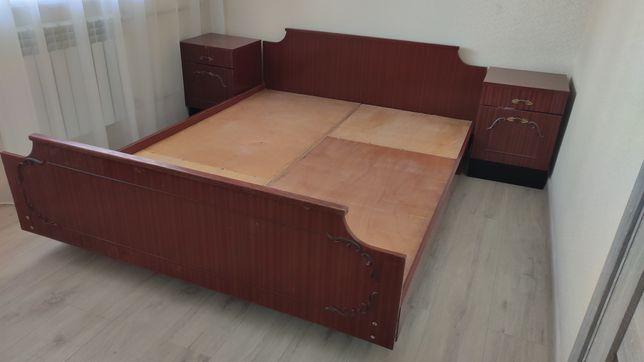 СРОЧНО! Продам спальню, кровать с тумбочками