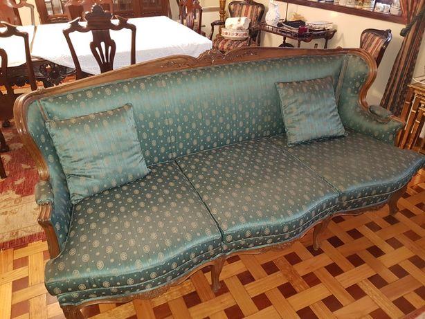 Terno de sofás em estado novo
