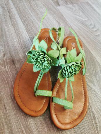 Sandałki rozmiar 39