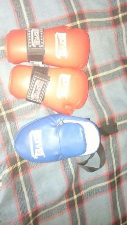 Боксерские перчатки с лапой для подростков