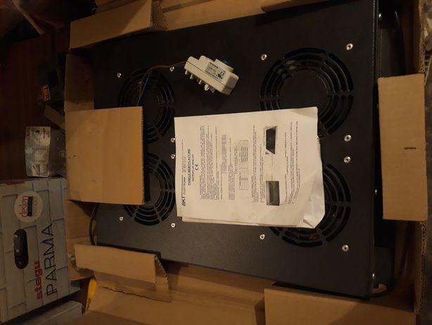 Panel wentylacyjny z termostatem, do szaf rack, czarny, dachowy.