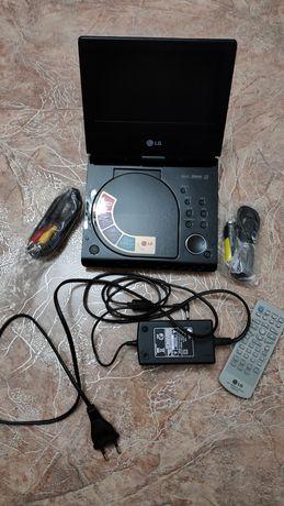 Портативный двд DVD LG dp272b