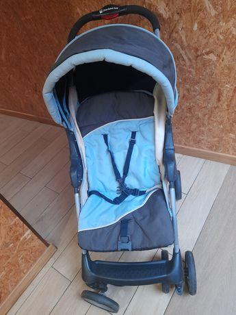 Carro e ovo de bebe  em azul