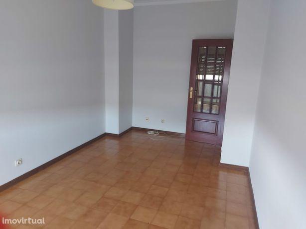 Apartamento T2 Arrendamento em Braga (Maximinos, Sé e Cividade),Braga