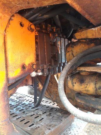 Rozdzielacz sekcja hydraulika case 580 sterowanie