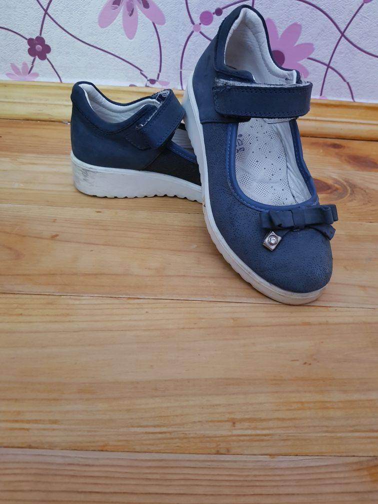 Школьные туфли обувь