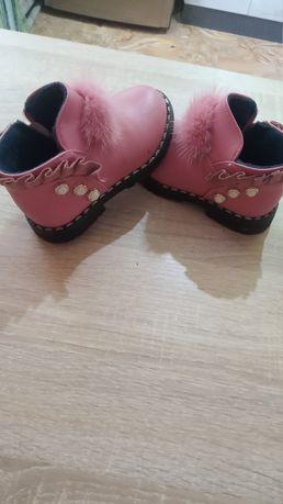 Продам осенние ботинки