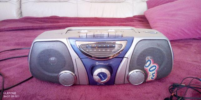 """Radio Turystyczne """"First Austria FA-1629"""" (Radiomagnetofon)"""