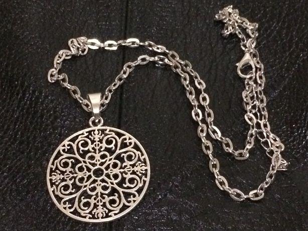 Кулон, медальон на цепочке, подвеска с цепочке
