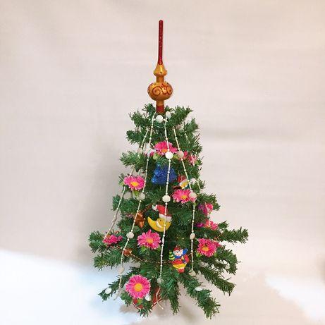 Новогодняя ёлочка в украшениях