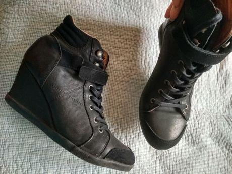 Полностью кожаные ботинки- сникерсы. Испания. Отличное состояние