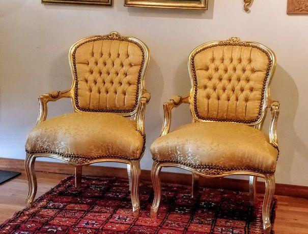 Cadeirões de estilo Luís XV (bergère em folha de ouro)