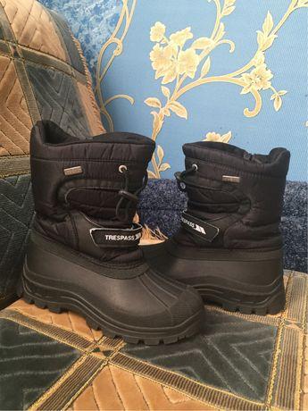 Сапоги TRESPASS waterproof 32-33 р