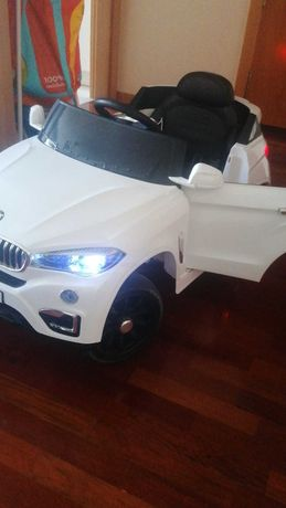 Carro a bateria Bmw X6