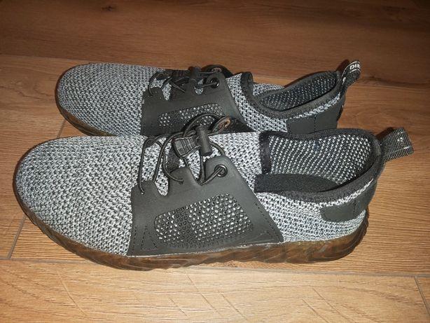 Buty, adidasy robocze z metalowym podnoskiem