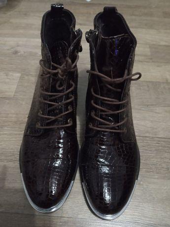 Ботинки кожаные женские фирмы Kadar