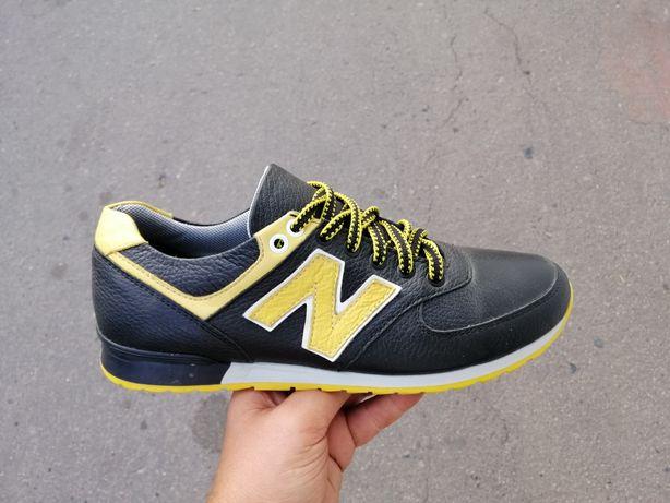Натуральные кожаные кроссовки