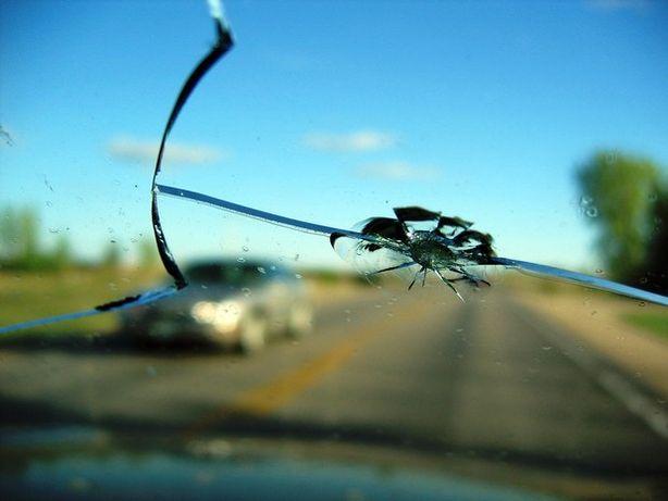 Ремонт сколов и трещин на лобовых стеклах автомобилей