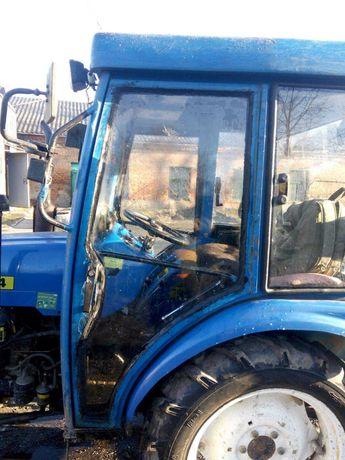 Стекла для тракторов готовые и на заказ