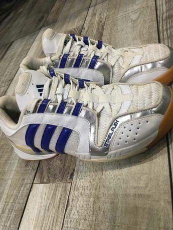 Adidas кросовки 38 размер