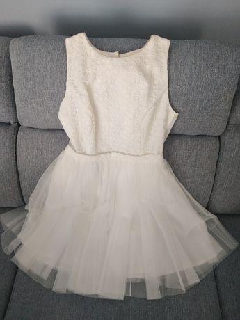 Sukienka koronkowa z tiulem ecru