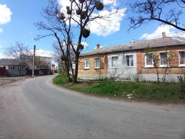 продам 1-к квартиру ( часть дома) м. Защитников Украины