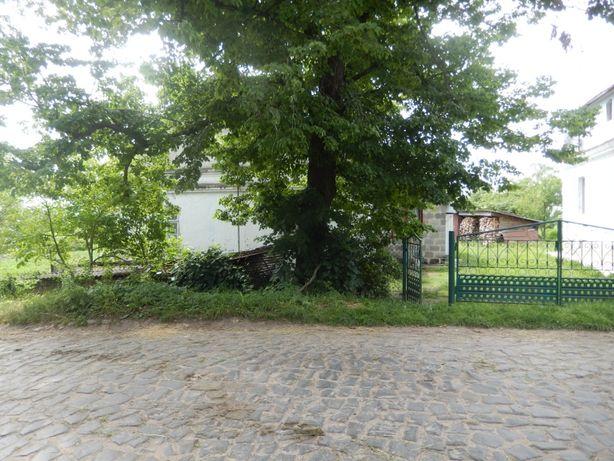 Нерухомість: будинок у сільській місцевості