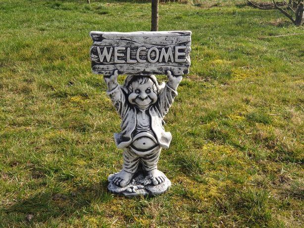 Figura ogrodowa Troll Skrzat Welcome Producent
