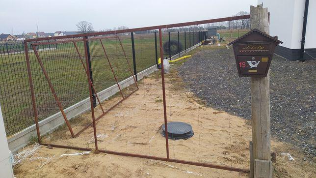 Ogrodzenie brama budowa