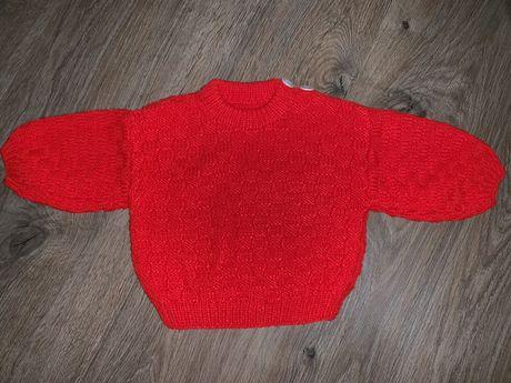 Кофта вязаная красная на девочку ручной работы осень зима