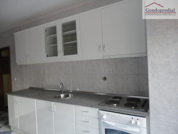 T1 Valongo cozinha placa e forno, lugar de garagem e arrumos
