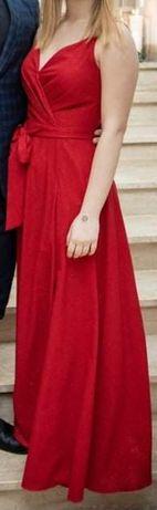 Długa czerwona sukienka