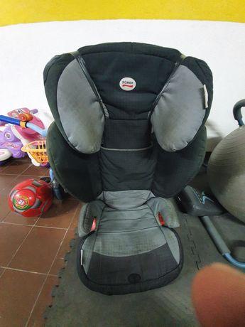Cadeira Auto Romer dos 3 aos 9 anos (9kg aos 36kg)