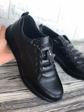 Туфли спортивного стиля
