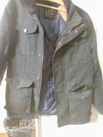 куртка демисезон практичная, легкая, удобная