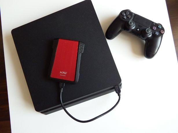 PS4 SLIM z DYSKIEM ZEWNĘTRZNYM 1TB Adata ! + Dualshock 4 V2 + GRY