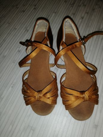 Туфли бальные для девочек