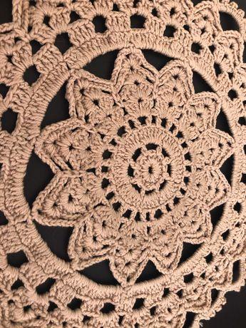 Naperon antigo em crochet