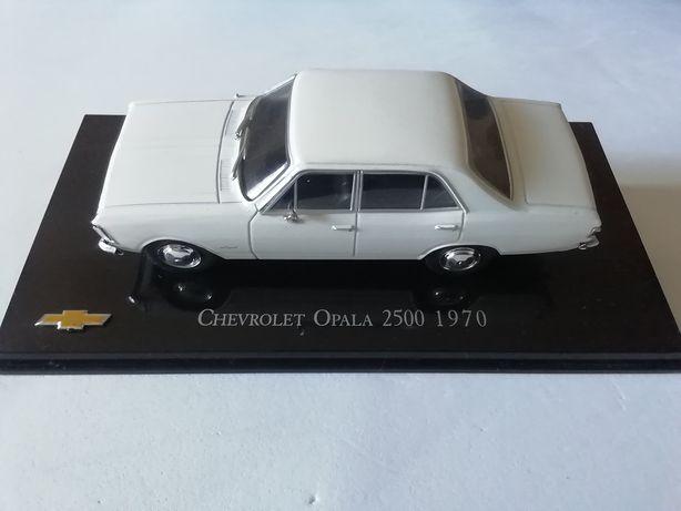 1/43 Chevrolet Opala 2500 4 Portas - 1970 (Ixo/Altaya)