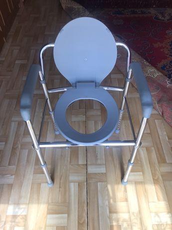 Skladany fotel sanitarny (toaletowy)