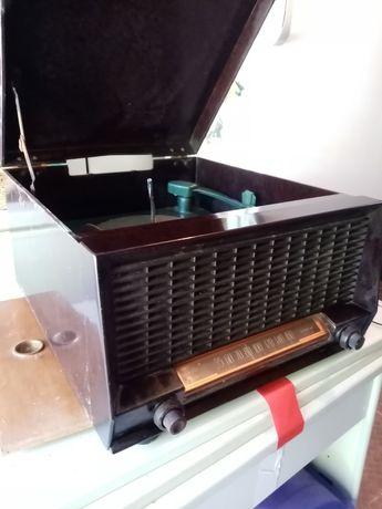 Gira discos com rádio PHILCO