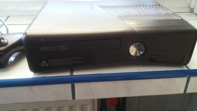 X Box 360 plus gry 21sztuk