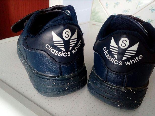 Продам кросовки на хлопчика